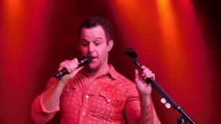 Easton Corbin sings