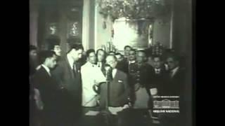 Getúlio Vargas reajusta o salário mínimo, 1952