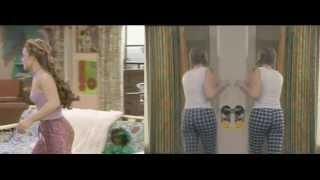 Melissa Joan Hart vs. Jenna Von Oy: Booty Battle!