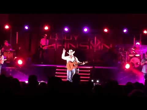 Cody Johnson- On My Way To You (live in College Station 82518)