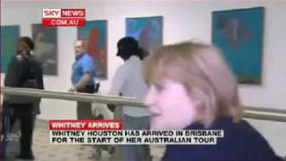 Whitney Houston at Brisbane Airport, Australia (20-02-2010).mp4