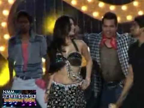 Sunny Leone grooves at Shootout at Wadala music launch