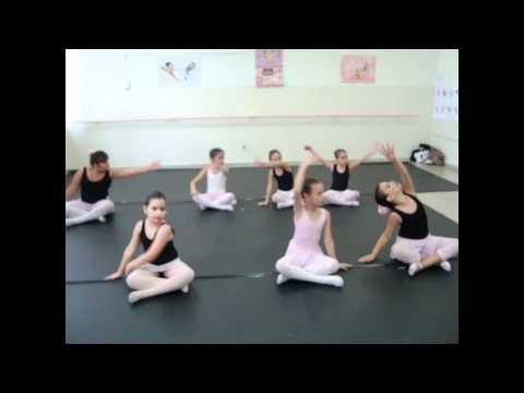 Projeto Na Pontinha dos Pés Amostra do ballet infantil