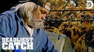 Wild Bill Helps Out on Deck!  | Deadliest Catch