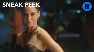 Stitchers - 1x02, Sneak Peek: Cameron, Linus, Kirsten & Camille at the Rave | Freeform
