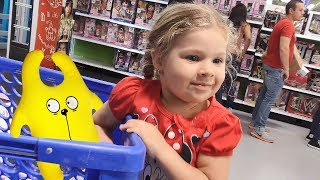 KIDS TOY SHOPPING SPREE WITH Diana and Roma