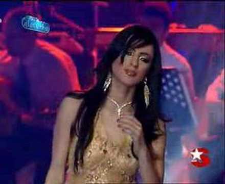 Popstar Alaturka Hasret Anam