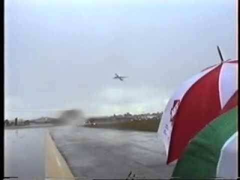 Avião Fica Planando em Vendaval