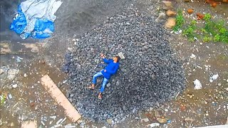 College ragging turn into murder... Must watch if you are brave heart..!!