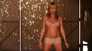 Jennifer Aniston Striptease  (We're the Millers)