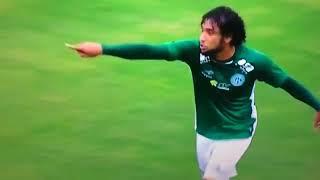 Givanildo Oliveira xigando o jogador do Guarani
