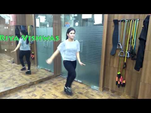 Xxx Mp4 PALLO LATKE SHAADI MEIN ZAROOR AANA Rajkumar Rao Kriti Kharbanda Dance Cover By Riya Vishwas 3gp Sex