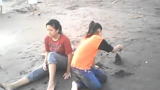mandi di pantai