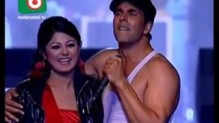Akshay Kumar with Mousumi in Dhaka | Tri nation big show performance