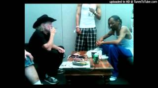 Snoop Dogg Sings Sings with Willie Nelson