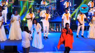 Akesse Brempong performs at 2018 Tehillah Experience