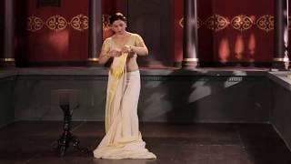 Aunty Shows How to Wear Saree Below Deep Navel - Wearing Kerala Saree - Kerala Saree Style