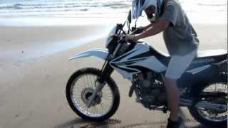Primera vez en moto // First time on a motorcycle // Honda XR 250 Tornado