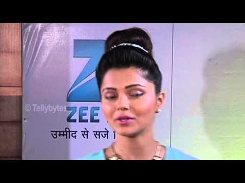 Xxx Mp4 Sargun Mehta And Rubina Dilaik Charms At Zee Rishtey Awards Red Carpet 3gp Sex