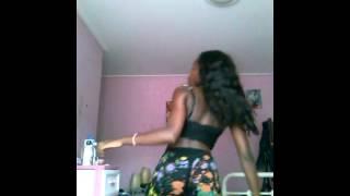 Dancing on tyga make it nasty ik bored !!