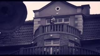 The balcony scene from Schindler's list - Family Guy