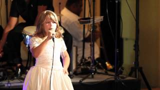 jade hunt 9 years old singing Time to say Goodbye in English and Italian