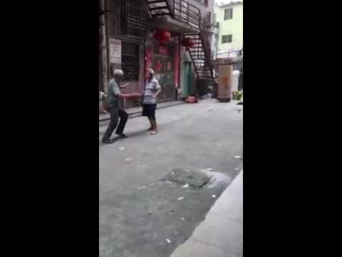 Street fight Chinese old Man fight Kung fu 😂😂😂