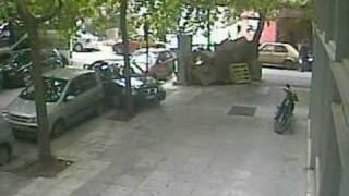 Unbelievable woman driver - Crazy car (4min)