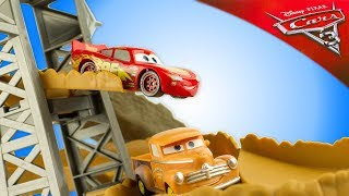 Disney Cars 3 Piste Course Minuit Midnight Jump Track Set Flash McQueen Jouet Toy Review Juguetes