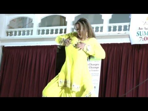 Saima Khan's nice Mujra Dance HD