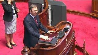 Serbia: il nuovo presidente giura guardando al Kosovo
