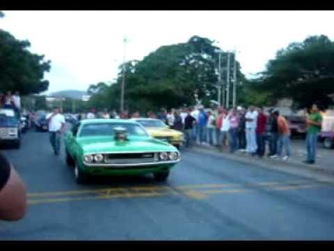 Piques barquisimeto Dodge Challenger motor 440 vs Camaro SS Amarillo