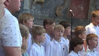 """Vilniaus """"Ąžuoliuko"""" muzikos mokyklos chorų koncertas Tėvo dienai"""