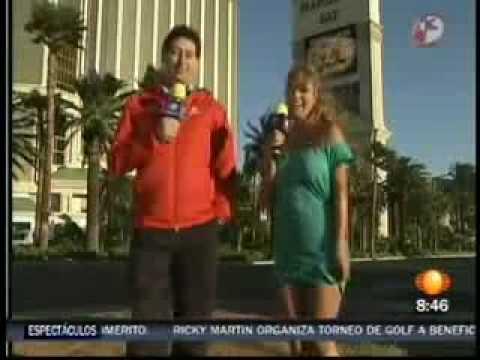 Vanessa de televisa deporte se le levanta el vestido en las vegas en vivo