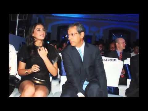 Deepika Padukone Hot Panty Flash Low