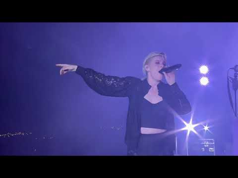 Robyn – Dancing On My Own Live at Roskilde Festival 2019