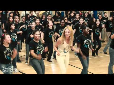 Beyonce surprises students Let s Move Flash Workout for New York City
