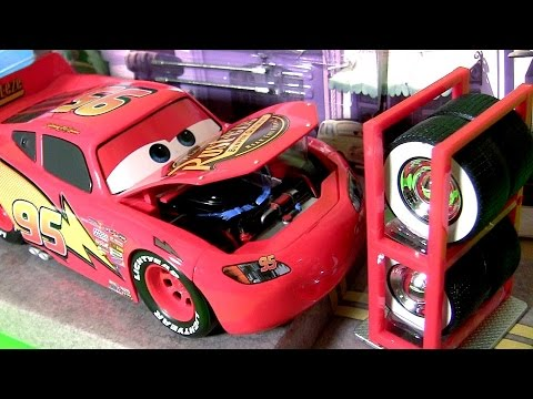 Disney Cars Lightning McQueen Tire Rack Edition 1 24 Scale Diecast by TOYS CLUB Car Toys for Kids