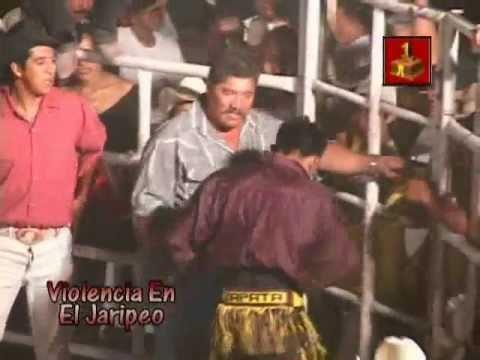 Bronca en el Jaripeo Ruzo de Zapata se pone bravo