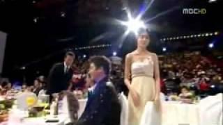Kim Nam Gil and Lee Yo Won (2009 MBC Best Couple Award) eng sub