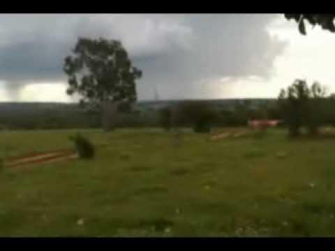 Tornado no Paraná Abril 2012 entre Paranavaí e Amaporã
