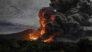 Rekaman warga detik-detik meletusnya Gunung Sinabung 11/11/2016