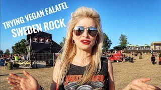 Trying VEGAN homemade Falafel at Sweden Rock Festival ⛺️🇸🇪🥙