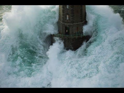 Farol La Jument a onda mais famosa do mundo