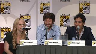 Howard and  Melissa  Rauch doing voice of Howard