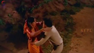Naan Poovaduthu From Movie Naanum Oru Thozhilali