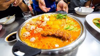 Extreme Thai Street Food - CRAZY TOM YUM Late-Night Food Tour in Bangkok, Thailand!