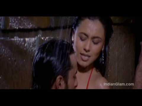 Rani Mukherjee Kiss Stills HOT