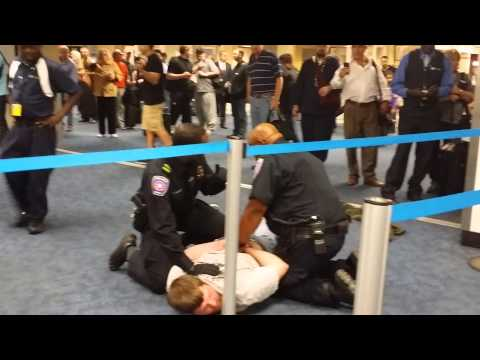 DALLAS AIRPORT FIGHT CAUGHT ON VIDEO