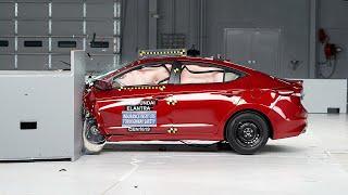 2017 Hyundai Elantra driver-side small overlap IIHS crash test